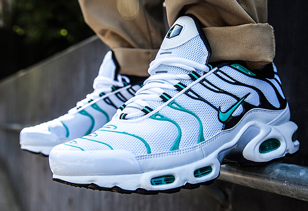 the best attitude 880fa 293da Nike Tn - Emerald