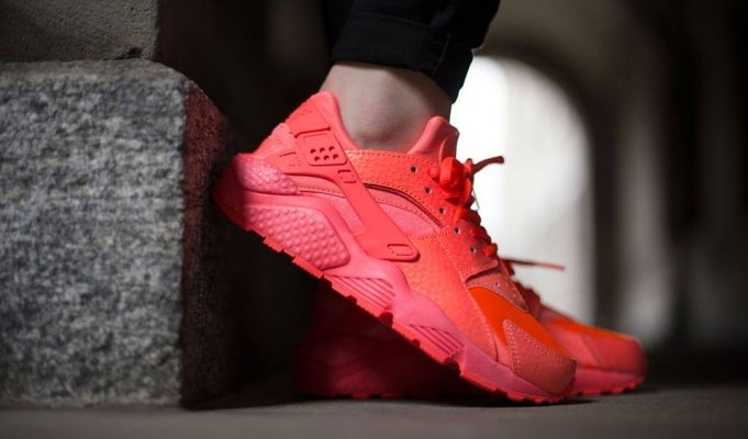 nike huarache womens red
