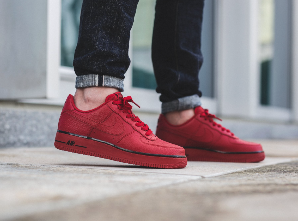 sneakpick nike airforce 1 low gym red. Black Bedroom Furniture Sets. Home Design Ideas
